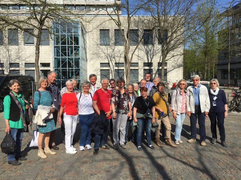 Foto der Delegation beim NDR in Lokstedt